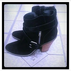 Dolce Vita Booties (Size 8.5)